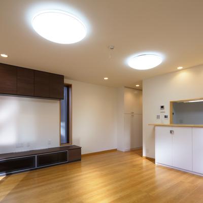 施工事例「壁を両断熱することにより室内の温度が一定し省エネに繋がります」のサムネイル画像